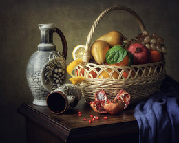 Натюрморт с корзиной фруктов / классический натюрморт