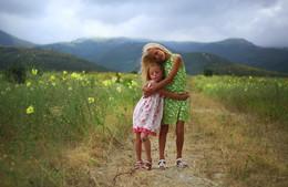 Истории из детства / Сюзанна и Линда