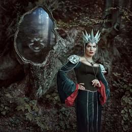 "dark Queen / The project ""Fairy Kiev"" with the participation of Ukrainian stars. Model: Vlada Litovchenko"
