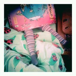 Книга с колготками на кровати в Зеленограде в 2013 примерно / Книга с колготками на кровати в Зеленограде в 2013 примерно