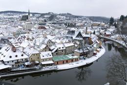 Зима в городке на берегу реки / Чешский Крумлов, Январь 2016.