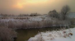 Хмурое утро / Малые реки РФ.