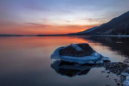 Приходит вечер на Байкал / Байкал, Малое море, Курма