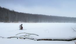 Стойкий рыбак / Непогода на реке.