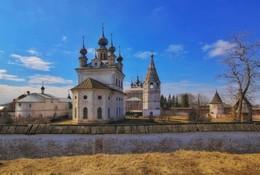 Михайло-Архангельский монастырь. / ***