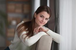 УЮТ / Студийный женский портрет.  Автор: Борисюк Владимир. Модель: Екатерина. Год: 2017.