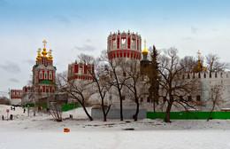 Новодевичий монастырь / Стены Новодевичьего монастыря