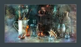 Old lantern. Long version / music: Annie Lennox – September In the Rain https://www.youtube.com/watch?v=bKrKHOUcNvY