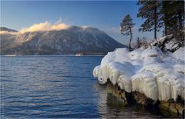 Зимнее утро на Алтын-Кёль / Февраль на Телецком озере