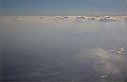 Твердь небесная и твердь земная / Где-то над Китаем.