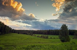 Солнце над облаками / Закат на Калиновом лугу.