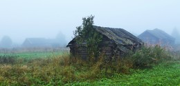 Старая банька ... / Утро в деревне ...