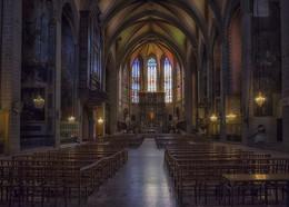 Собор в Южной Франции / Южная Франция