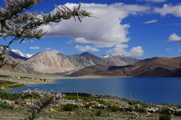 Горное озеро / Гималаи, на границе Индии и Китая