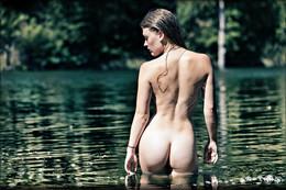 На реке /