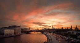 Московские закаты / Вид с парящего моста Зарядья