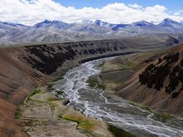 Горная река / Индия, Гималаи, 4 500 м.