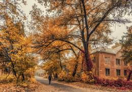 """Осень в """"сталинках"""" / Донецк, наши дни... http://www.youtube.com/watch?v=BWgEZmlKQfI"""