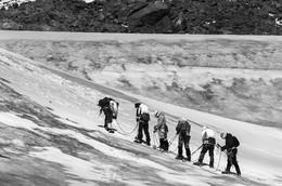 Дорогу осилит идущий / При подъеме на Эльбрус  http://www.youtube.com/watch?v=HLByZVai0Kk