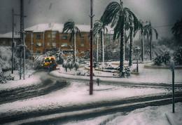 Неожиданно... / Вдруг снегопад в природе приключился… Внезапный, не угаданный приметами…   https://www.inpearls.ru/
