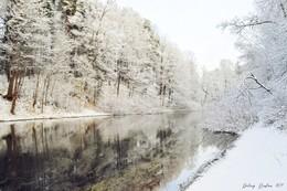 первый снег был самым белым / Самый первый снег был чище, чем мы все...