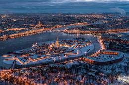 Петропавловская крепость / Лед пока идет.
