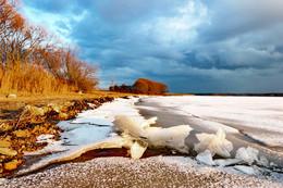 Минское море / лед пошел на берег