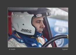 Борис Котелло, автогонщик. / Перед стартом.Съемка через стекло автомобиля.