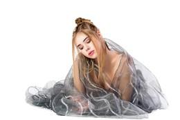 Там, где никого нет / модель Ксюша Кошкарёва причёска Галина Князева ассистент Николай Корнилов