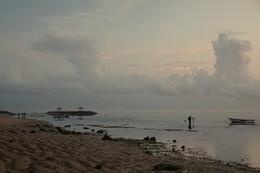 Полчаса до восхода... / Утро на берегу океана