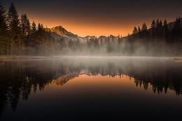 / Morgens am Schattensee in Krakauschatten