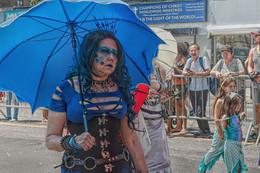 На параде русалок. / Парад русалок на Кони Айлэнд (южный Брукли) - этакий местный почти бразильский карнавал