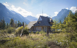 Домик в горах | House in the mountains / На середине подъёма к озеру Морское Око в Польше