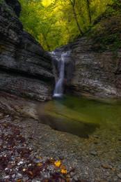 Осень / У водопада