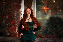 Девушка-осень с душой акварельною... / осень...