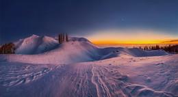 Снежные сумерки в горах / Абхазия. Западный Кавказ. На вершине горы Мамдзышха.  Приглашаю в зимние путешествия «Сказочная Абхазия»! Подробности здесь: https://www.facebook.com/groups/1755505914709044/(фейсбук) и https://vk.com/topic-69994899_38364547 (контакт).
