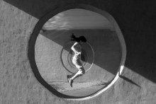 Сквозь туннель / Обыкновенный прыжок сквозь бесконечность геометрии...