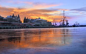 утро нового дня / Утренние зарисовки Выборгского порта...  #Выборг #Vyborg #утро#Алабушев