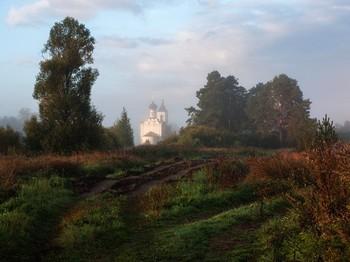 Церковь в Грибаново утром в октябре или сентябре / Церковь в Грибаново утром в октябре или сентябре