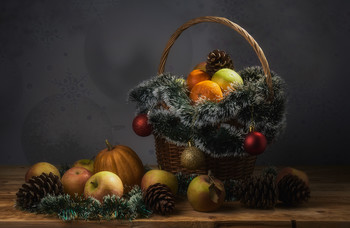 Новогодний с яблоками и тыквой. / Всех с наступающим Новым годом!