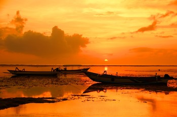 Летние краски... / Утро на берегу океана