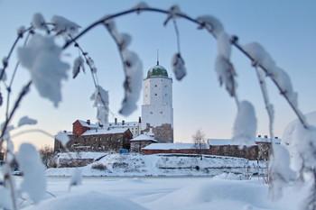 Выборгский замок / Пускай звон рождественских колоколов наполнит мысли чистотой, душу светом, а жизнь благодатью. С Рождеством!