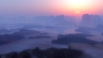 Восход над горами... / далекими и неизвестными