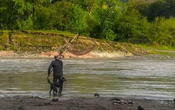 два рыбака / горная речка, утро