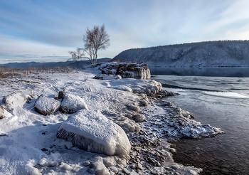 И замерло всё в ожиданьи зимы.... / Ноябрь в Сибири. Ангара в 25 км от Байкала.