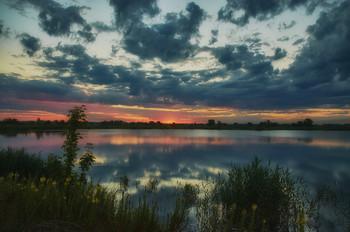 Начало дня / Лето. Озеро. Восход