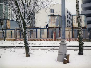 Кто-то антенну устанавливает на вагончике в Зеленограде зимой 2014 / Кто-то антенну устанавливает на вагончике в Зеленограде зимой 2014