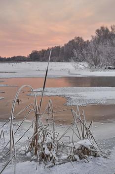 Зимний рассвет / зима,рассвет,озеро