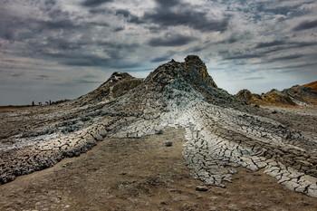 Грязевой вулкан / Снимок сделан в Гобустанском заповеднике Азербайджна