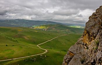 Горная дорога / Вид с горы Бешбармаг.Азербайджан